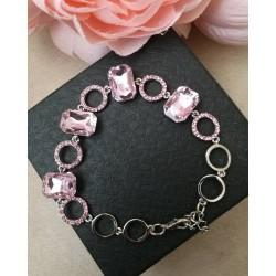 Нежна гривна с розови кристали